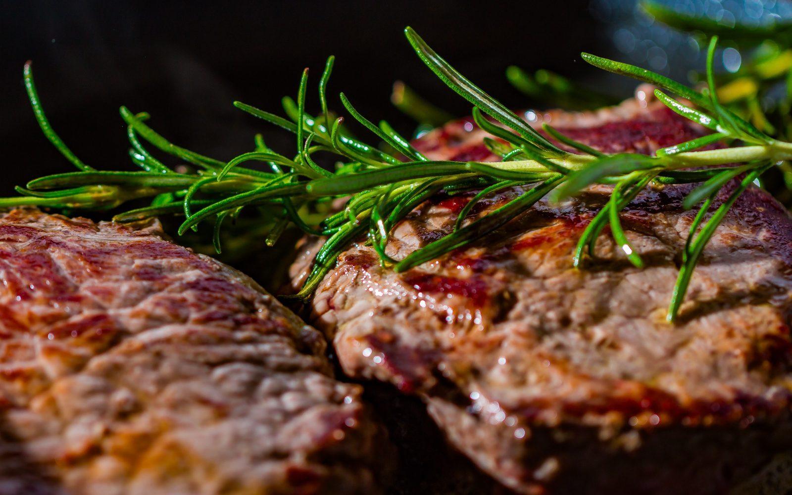 steak-2936531-e1514917439351.jpg